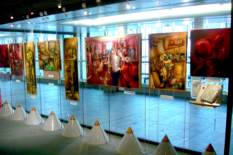 Solo exhibition Fnac Forum des Halles – Paris – France from 5 to 31 December 2005