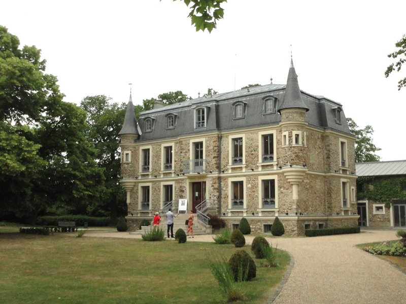 Group exhibition Tourelles Castle – Le Plessis-Trévise – France from 02 June to 17 July 2011